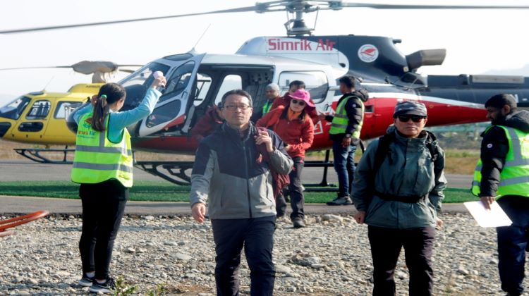 How many People Can Take One Helicopter tour Everest Base Camp