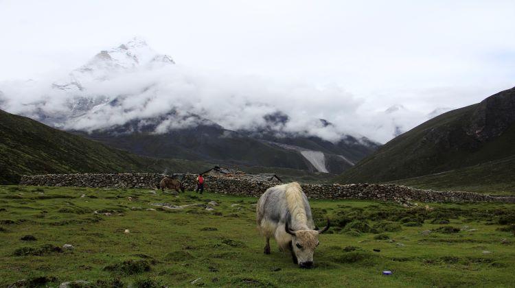 Trekking in Nepal monsoon season
